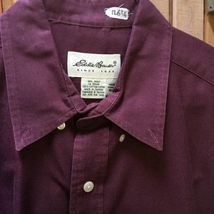 Men's cotton Eddie Bauer button down shirt.